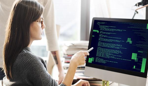 dbddc2e0ea La Mujer y las carreras de Informática ¿Qué hace un profesional de la  Informática?